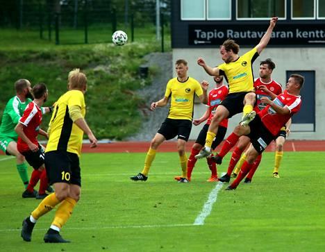 NoPS ja FC Hakaj kohtasivat Kolmosen kärkikamppailussa. Hakaj otti vierasvoiton maalein 0-1 (0-1).