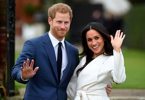 Prinssi Harry ja hänen puolisonsa Meghan haluavat sanoa hyvästit kuninkaallisille velvollisuuksille ja elää itsenäisempää elämää.
