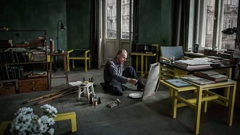 Andzrej Wajdan viimeinen elokuva on draama modernistitaiteilija Wladyslaw Strzeminskista (Boguslaw Linda), joka kommunistien otettua Puolassa vallan, kieltäytyi hyväksymästä sosialistisen realismin ainoana sallittuna suuntauksena.