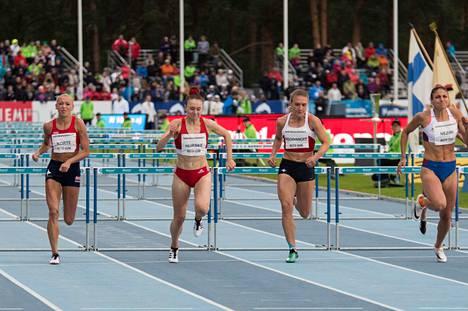 Suomen naisaiturit eivät pääse juoksemaan Turussa ainakaan täyden stadionin edessä. Kuva viime kesän Kalevan kisoista Lappeenrannasta.