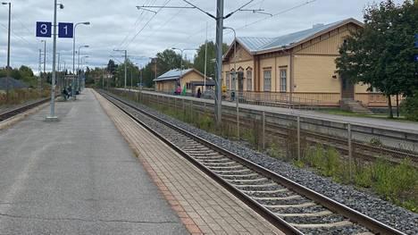 Sastamalan kaupunki haluaa ulottaa lähijunaliikenteen Tampereelta Vammalan ja Karkun asemille. Kuvassa on Vammalan asema.