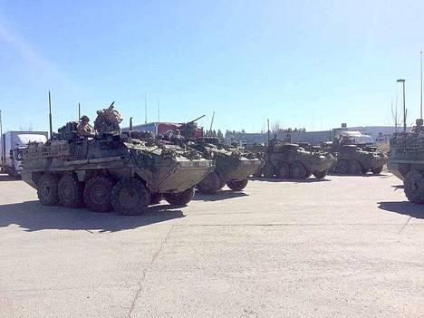Panssariajoneuvot on kuvattu Kolmenkulman ABC:llä Nokialla Arrow 18 -harjoituksen aikaan viime vuoden toukokuussa.