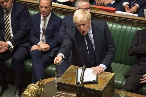 Pääministeri Boris Johnson koki tiistai-iltana tappion, kun parlamentti nousi lakiesityksellään vastaan hänen suunnitelmaansa viedä brexit läpi lokakuun loppuun mennessä.