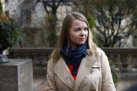 Valtiovarainministeri Katri Kulmuni otti aikalisän kansliapäällikön nimittämisessä.