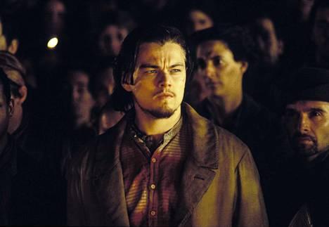 Martin Scorsesen suurelokuva 1860-luvun New Yorkin slummeista ja rikollisuuden synnyttämistä jengeistä, joiden valtataistelut huipentuvat sisällissodan synnyttämien mellakoiden aikaan. Pääosassa Leonardo DiCaprio.