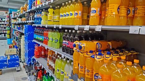 Hallitus pyrkii vähentämään sokeripitoisten virvoitusjuomien kulutusta korottamalla niiden verotusta.