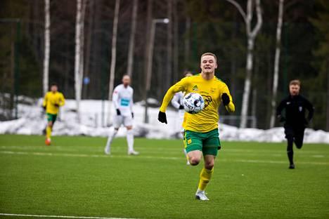 Ilves ja Teemu Jäntti hakevat hyvää peli-ilmettä.