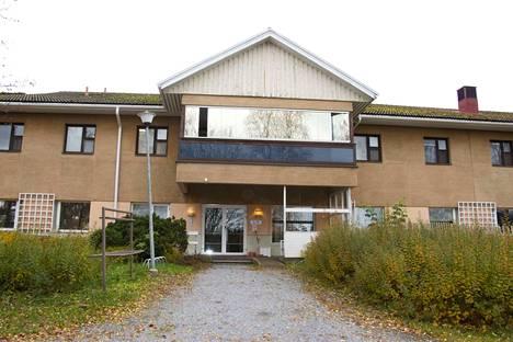 Nokian terveyskeskus toimii väistötiloissa Vihnusasemalla. Ensiapu toimii vielä vanhassa terveyskeskuksessa Maununkadulla, mutta on siirtymässä Vihnusasemalle ennen kesää.