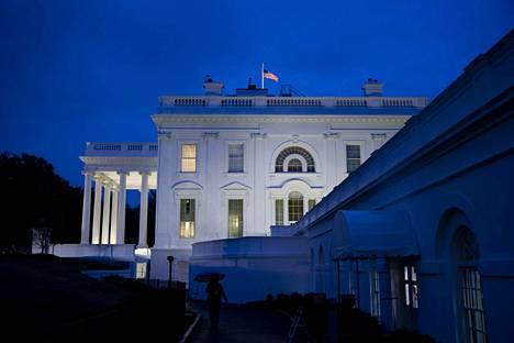 Valkoista taloa ravistelee iso skandaali.