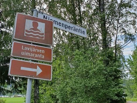 Tragedia sattui Laviajärven uimarannalla perjantaina.