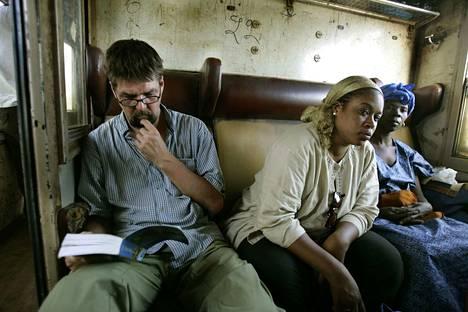 Matti Kuusela junamatkalla Senegalin Dakarista Malin pääkaupunkiin Bamakoon joulukuussa 2005.