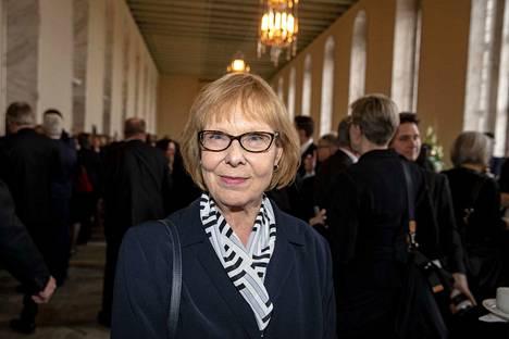 Annika Lapintie (vas.) oli tyytyväinen, että sekä puhemies Paula Risikko että presidentti Sauli Niinistö puhuivat perustuslain merkityksestä.