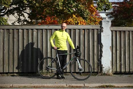 Porilainen Ville Aalto-Setälä toimii henkilöasiakkaista vastaavana pankinjohtajana OP Länsi-Suomessa. Työmatkansa Porin Bepopiin hän kulkee kesät talvet polkupyörällä.