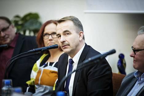 Arto Pirttilahti (kesk.) oli eduskuntavaalien ääniharava neljässä Pirkanmaan kunnassa.