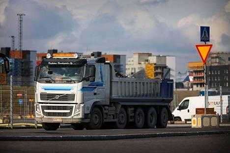 Kaasukäyttöisiin kuorma-autoihin jaetaan hankintatukia. Parin ensimmäisen kuukauden aikana tukea on jaettu noin 30:een kuorma-autoon.
