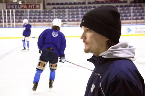 Tomas Westerlundin ensimmäinen päävalmentajakausi KeuPa HT:ssä päättyi jatkoerätappioon IPK:lle puolivälierissä.