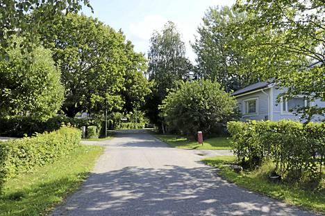 Suuri osa Hosleniuksenkujan taloista on rakennettu 1960-luvulla.