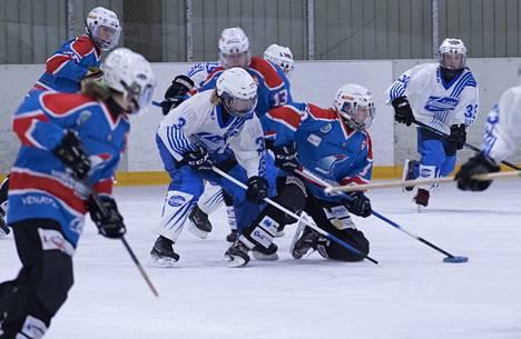 Siniasuinen LuKi avasi voittotilinsä kauden 13:nnessa ottelussaan. Arkistokuva.