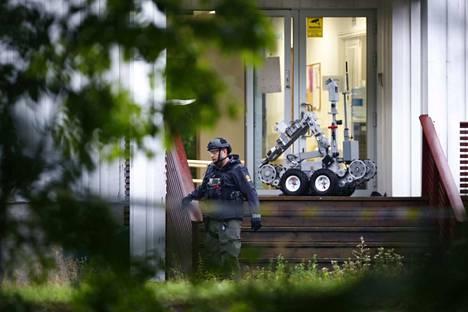 Poliisi toi moskeija-ampumisen tapahtumapaikalle myös robotin.