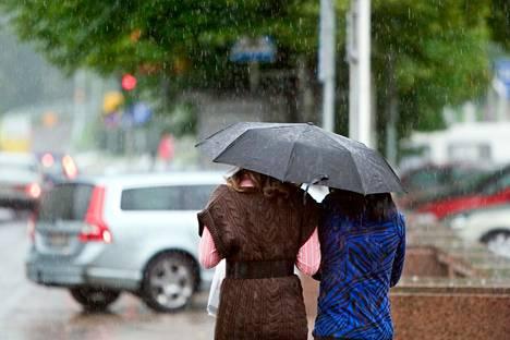 Pirkanmaalle luvataan keskiviikoksi sadetta ja tuulta.