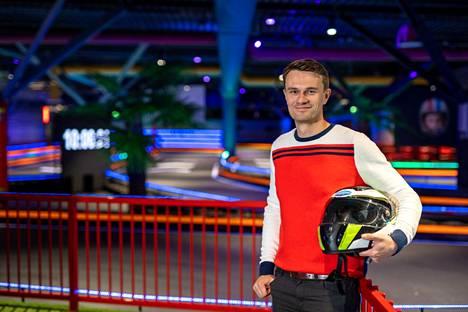 Viihdekeskuksen päällikkö Sauli Virtanen sanoo nähneensä ajajien kasvoilla paljon hymyjä, jotka kertovat uuden kokemuksen tuomasta mielihyvästä.