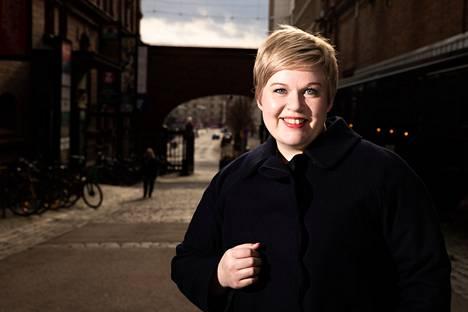 Keskustan puheenjohtaja ja valtiovarainministeri Annika Saarikko kiersi Pirkanmaalla maanantaina.