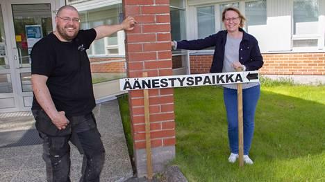 Erno haavisto (ps) ja Reija Leivo (kesk) lähtevät kuntavaaleihin erilaisista lähtökohdista.