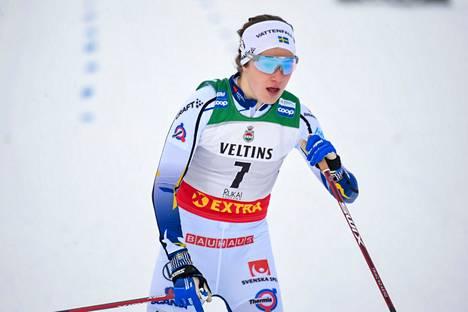 Ebba Andersson osoitti olevansa kova kiipijä. Kuva Rukan maailmancupista.