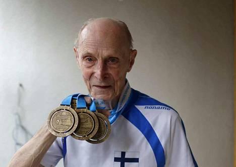 Pekka Penttilän mitalitili kasvoi Aikuisurheiluliiton SM-kisoissa viikonvaihteessa.