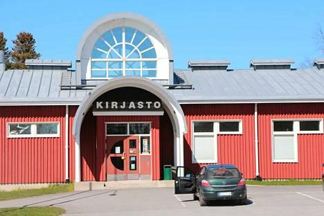 Joko pian? Kirjastot saavat avata ovensa kesäkuun alussa.  Merikarvialla lainaaminen onnistuu nettivarauksella jo 11. toukokuuta alkaen. Nouto tapahtuu sovitusti tuulikaapista.