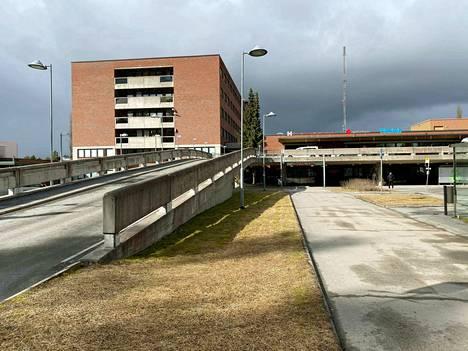 Kanta-Hämeen keskussairaala purkaa edelleen rajoitteita maanantaista lähtien.