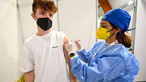 Italian Torinossa rokotettiin 18–28-vuotiaita kesäkuun alussa.