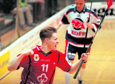 Petri Ahola muistetaan tehokkaana ja työteliäänä pelaajana SBS Porin riveistä.