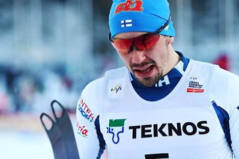 Ristomatti Hakola valmistautui Tour de Skihin alppimajassa. Joulu meni ohi, mutta niin menee myös Tour de Ski.