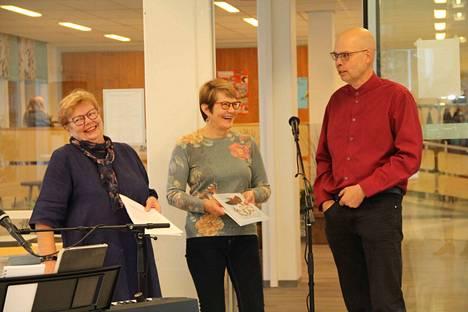Annikki Harjumäki haastatteli Ulla Immosta ja Marko Perälää, jotka valmistuivat samana vuonna 1984 Mäntän amiksen talonrakentajalinjalta.