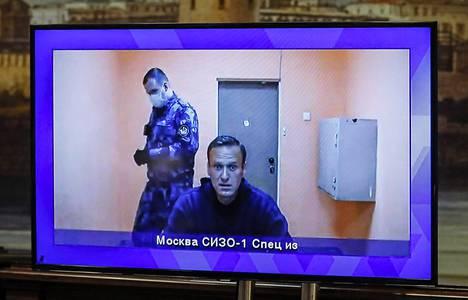 Navalnyi osallistui valitusoikeudenkäyntiin videoyhteydellä vankilasta.