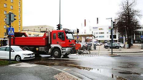 Kristian Lindböck kirjoittaa mielipidekirjoituksessaan, että liikennesuunnittelussa on taattava kaikille ihmisille iästä ja kulkuvälineestä riippumatta turvallinen liikenneympäristö.