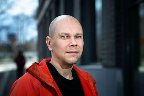 Tampereen yliopiston rokotetutkimuskeskuksen johtajan Mika Rämetin mukaan koronarokotteita tutkitaan myös lapsilla, sillä ei voida vain olettaa, että aikuisilla toimiva rokote toimii myös lapsilla.