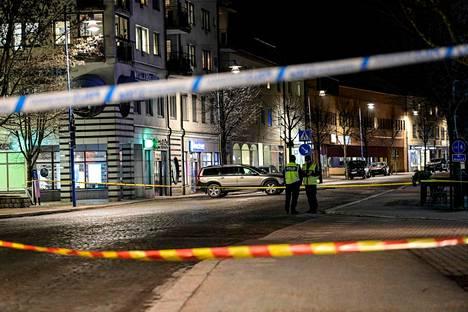 Ruotsin pääministeri Stefan Löfven on tuominnut veriteon jyrkästi. Tältä Vetlandassa näytti 3. maaliskuuta.