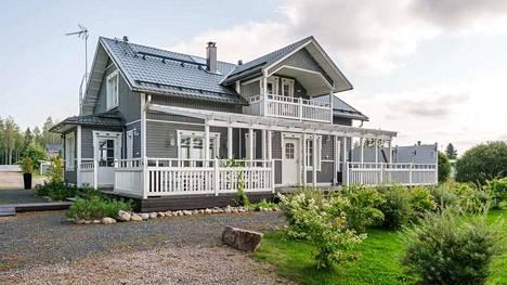 Anneli Mattilan kotitalo sijaitsee Karviassa.