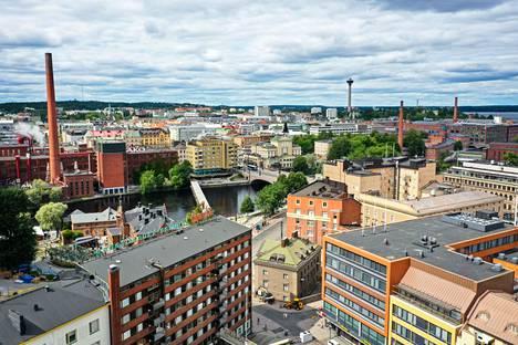 Näkymä Tampereen keskustan itäpuolelta kohti Keskustoria kuvattiin heinäkuussa.