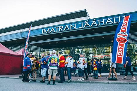 Ässien vaatimukset liittyivät viime elokuun Imatran-turnauksen ottelustriimeihin. Ässät voitti KHL-joukkue Jokerit Imatralla voittomaalikilpailun jälkeen 4–3.