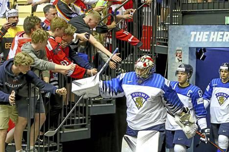 Jääkiekon MM-turnaus käynnistyy perjantaina 10. toukokuuta. Tuovatko Suomen Leijonat Slovakiasta mitalin vai katkeaako matka ennen mitalipelejä? Vastaa Viikon kysymykseen ja kerro veikkauksesi!