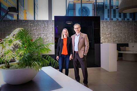 """Toimiva malli. """"Olemme suositelleet vire-kyselyämme myös meidän kilpailijoillemme"""", kertovat Jyrki Keinänen ja Elina Haapasaari."""