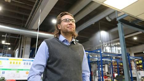 Toimitusjohtaja Markus Lehden johdolla HT Laser henkilökuntineen katsoo vakaasti tulevaisuuteen koronan aiheuttamista taloudellisista paineista huolimatta.