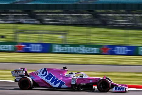 Nico Hülkenberg ajoi Racing Pointilla heti kymppikärkeen molemmissa perjantain harjoituksissa Silverstonessa.