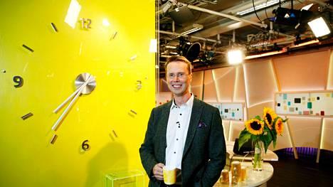 Tv-juontaja Nicklas Wancke sai aivoinfarktin, mutta ei huomannut sitä itse. Jopa aamuohjelman katsojat huomasivat muutoksen ja huolestuivat.