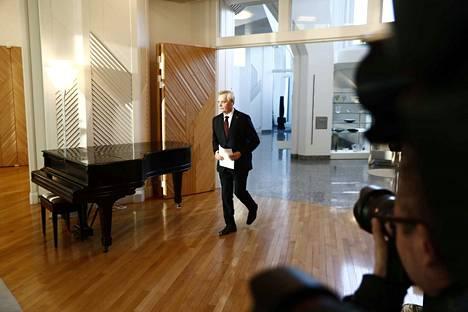 Antti Rinne toi presidentille eronpyyntönsä ja samalla erosi koko hallitus tiistaina.