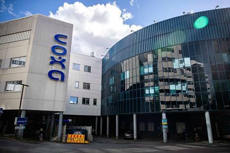 Tekonivelsairaala Coxa tekee leikkaukset Tampereella, mutta sillä on polikliininen toimipiste Helsingissä sekä ortopedien etäpoliklinikat Turussa, Lahdessa, Porissa, Valkeakoskella ja Kangasalla.