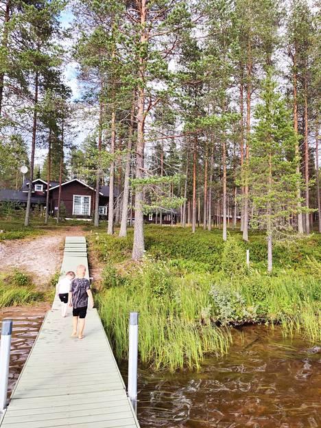 Pala Tamperetta Kuusamon sydämessä. Ilves-mökissä henkilökunta lomailee murto-osalla tavanomaisesta Lapin-mökkien hintatasosta. Kuva Outin henkilökohtaisesta kuva-arkistosta.
